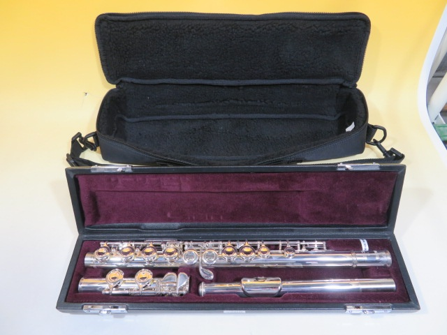 YAMAHA ヤマハ フルート 211 管楽器 ケース付き