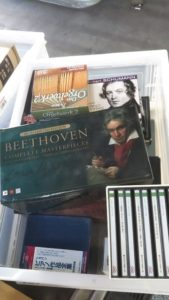 東京都足立区でDVDやクラシックCD200枚他、楽譜建築デザイン本など約200