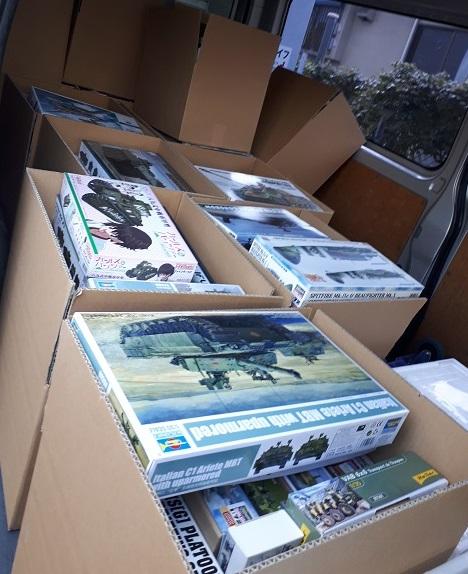 足立区で戦車・戦闘機のプラモデルなどを約200点